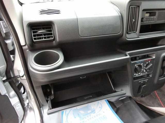ダイハツ ハイゼットカーゴ デラックス HR 2WD 4AT 届出済未使用車