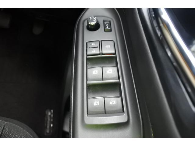 「トヨタ」「エスクァイア」「ミニバン・ワンボックス」「徳島県」の中古車26