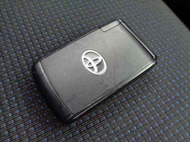 カスタム RS 後期 ターボ 社外HDDナビ フルセグ DVD再生 スマートキー MOMOステアリング HIDヘッドライト 電格ウインカーミラー 純正15インチAW シートリフター アームレスト WSRSエアバッグ(6枚目)