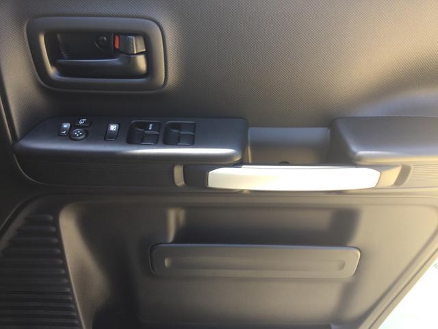ハイブリッドXZ 届出済未使用車/LEDヘッドランプ/LEDフォグランプ/左側電動スライドドア/スリムサーキュレーター/ロールサンシェード/後席右側テーブル/シートヒーター/USBソケット/スズキセーフティサポート(36枚目)