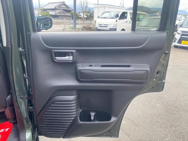 ハイブリッドX 4WD 純正9インチナビ 全方位モニター付 衝突被害軽減装置 LEDヘッドライト オートハイビーム 前席シートヒーター クリアランスソナー スマートキー ダウンヒルアシスト フロアマット 弊社デモカー(27枚目)