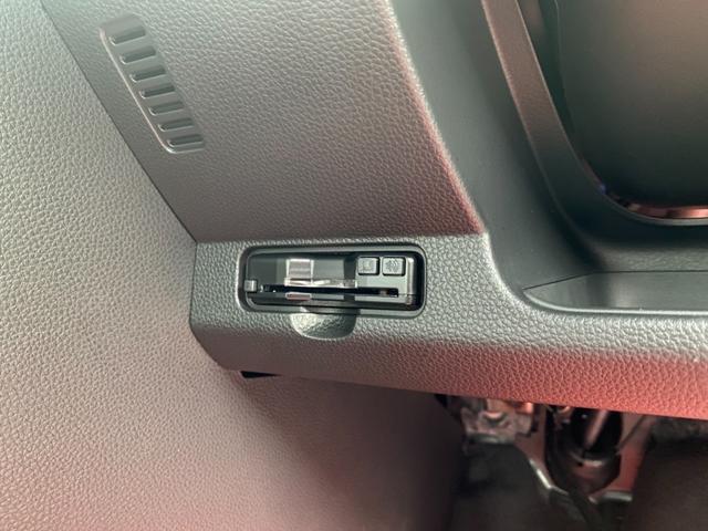 RS 6MT ターボ 届出済み未使用車 OP白ルーフ ボディーコーティング(5年間保証)バックカメラ フロアマット ドアバイザー フルLEDヘッドライト クリアランスソナー オートパーキングブレーキ USB(7枚目)