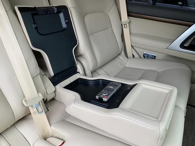 ZX ワンオーナ SDマルチ クールBOX BSM サンルーフ パワーバックドア ルーフレール マルチテレインモニター 寒冷地仕様 リヤエンター モデリスタエアロ ヘッドランプクリーナー LDA 本革シート(63枚目)