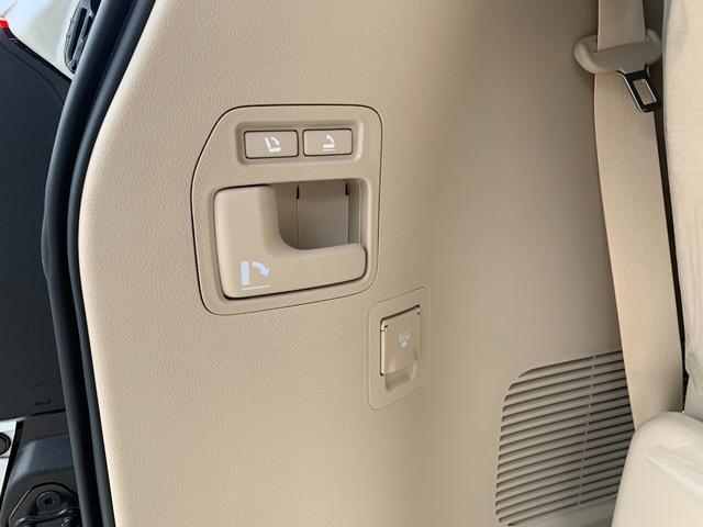 ZX ワンオーナ SDマルチ クールBOX BSM サンルーフ パワーバックドア ルーフレール マルチテレインモニター 寒冷地仕様 リヤエンター モデリスタエアロ ヘッドランプクリーナー LDA 本革シート(78枚目)