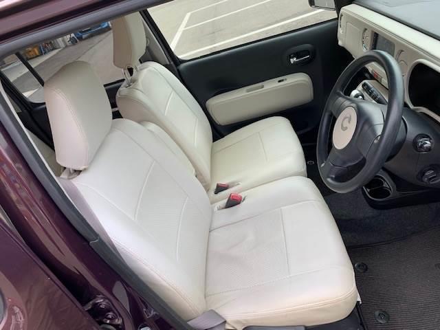 運転席・助手席のシートも綺麗な状態です。