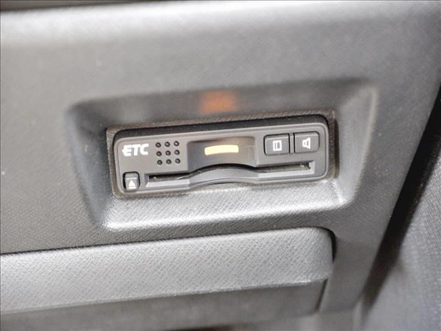 Z メーカー純正HDDナビ/CD・DVD再生/ミュージックサーバー/バックモニター/ワンセグTV/ビルトインETC/純正17インチAW/両側パワースライドドア/HIDヘッドライト(13枚目)