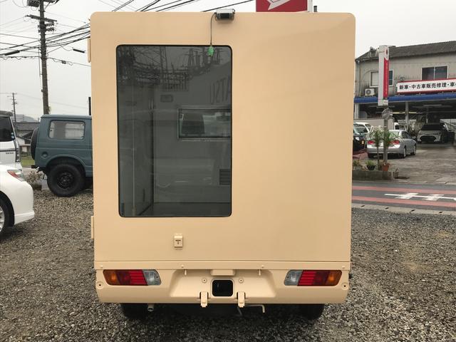 移動販売車・キッチンカーベース 全塗装(6枚目)
