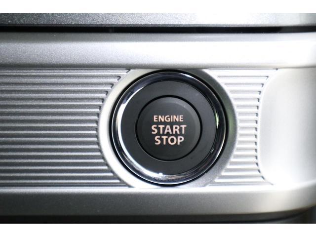 ハンドル装備されいるリモコンで運転中にナビゲーションのチャンネルや曲を変えることが出来ます。運転しながらの危険なナビ操作がなくなりますので安心です。