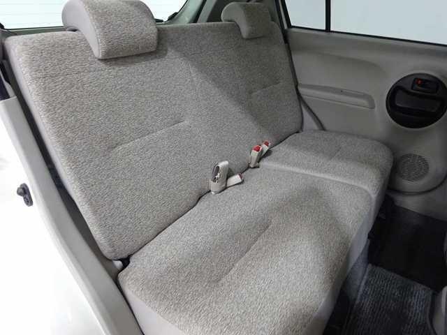 2列目シートもゆったりと座って頂けますので後部座席にお乗りの方も楽しくドライブに参加できて楽です!