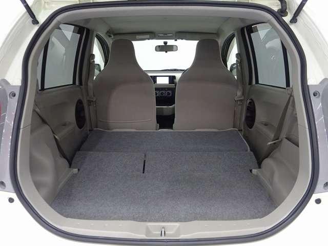 2列目のシートを畳めばレジャーやショッピングで威力を発揮する余裕の空間が出現。