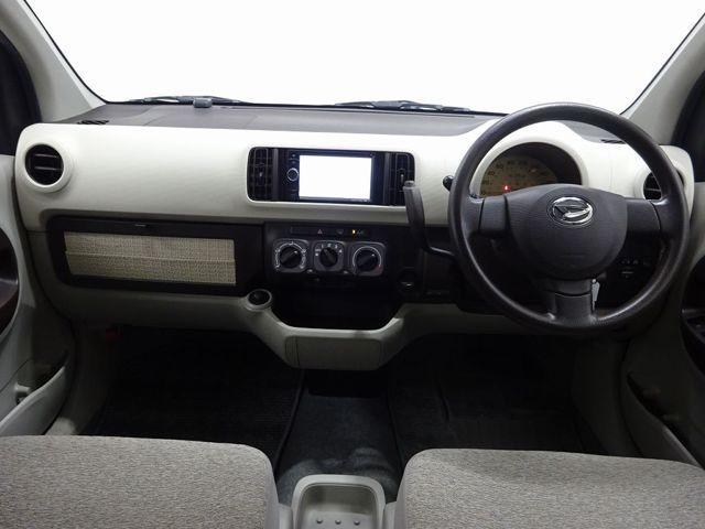 開放的な前方視界!運転がしやすく疲れにくいです♪窓が大きく、見通しがとっても良いおクルマですよ♪