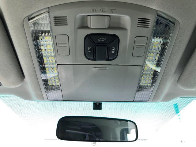 両側電動スライドドア、パワーバックドア装備で車内から操作することも可能♪