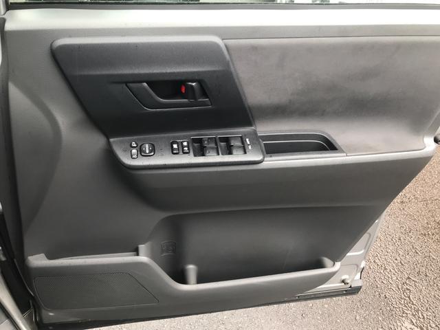 「トヨタ」「ヴォクシー」「ミニバン・ワンボックス」「香川県」の中古車37