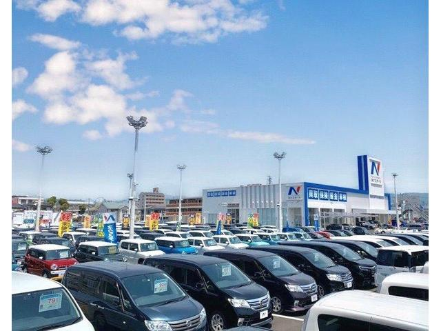 展示台数は350台以上!地域最大級の大型店!!人気車種が勢ぞろい!全車『修復歴無し』の安心品質です?
