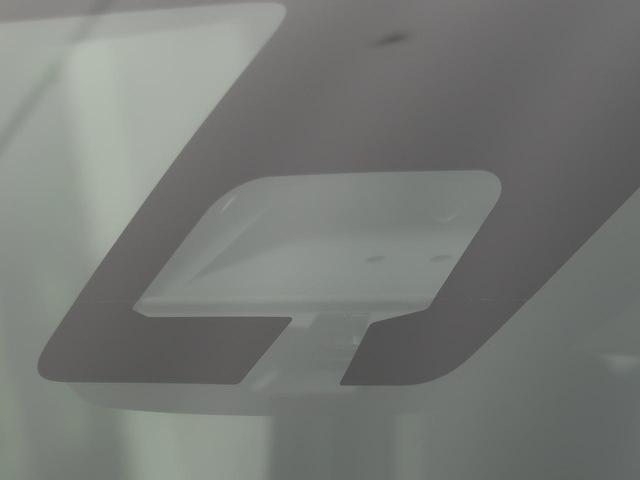 L 衝突軽減装置 コーナーセンサー シートヒーター アイドリングストップ 横滑り防止装置 キーレスエントリー ヘッドライトレベライザー 純正カーオーディオ 車線逸脱警報(3枚目)