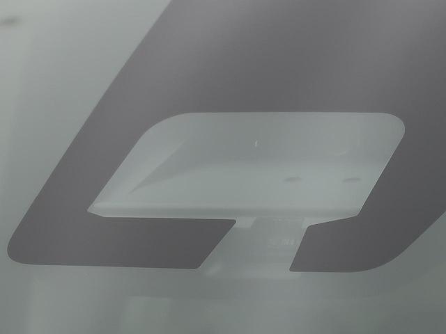 L 衝突軽減装置 コーナーセンサー シートヒーター アイドリングストップ 横滑り防止装置 キーレスエントリー イモビ 純正カーオーディオ ヘッドライトレベライザー Wエアバッグ ABS(3枚目)