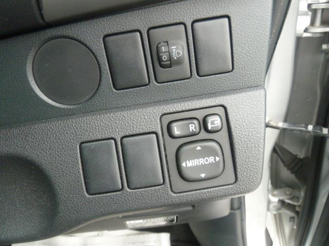 「トヨタ」「ラクティス」「ミニバン・ワンボックス」「高知県」の中古車29