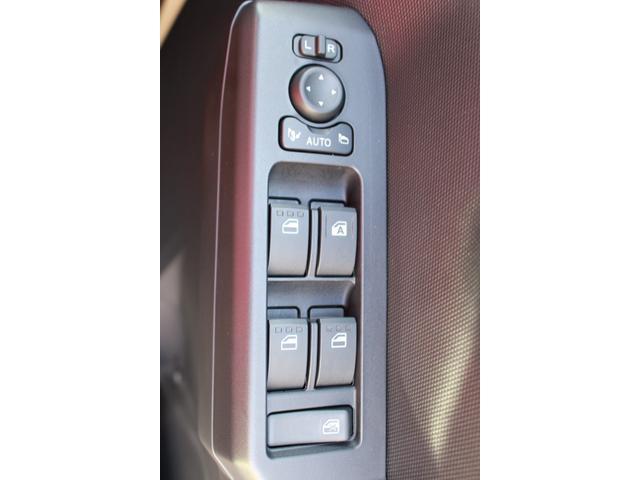 X バックカメラ ステアリングスイッチ コーナーセンサー キーフリー LEDヘッドランプ オートライト(24枚目)