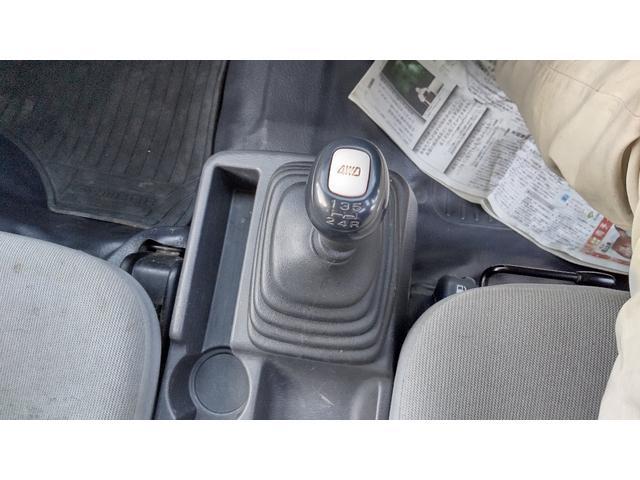 トランスポーター 4WD 5MT キーレス パワーウィンド スモークガラス パワステ エアコン(11枚目)