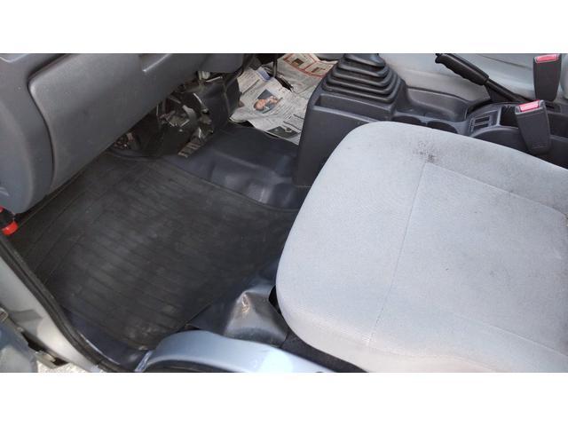 トランスポーター 4WD 5MT キーレス パワーウィンド スモークガラス パワステ エアコン(16枚目)