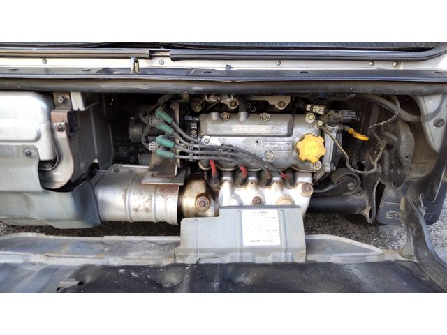 トランスポーター 4WD 5MT キーレス パワーウィンド スモークガラス パワステ エアコン(18枚目)