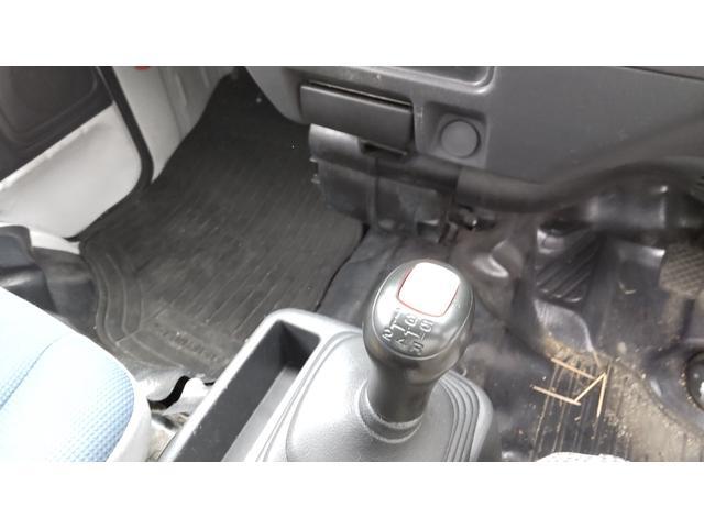 トランスポーター 4WD 5速 エアコン パワステ パワーウインドウ キーレス プライバシーガラス ETC ワンオーナー(11枚目)
