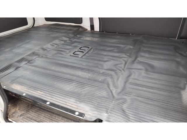 トランスポーター 4WD 5速 エアコン パワステ パワーウインドウ キーレス プライバシーガラス ETC ワンオーナー(15枚目)