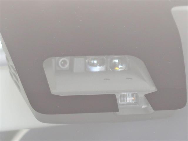 L 衝突軽減装置 パーキングセンサー シートヒーター アイドリングストップ ヘッドライトレベライザー 純正オーディオ 車線逸脱警報 横滑防止装置 キーレス(3枚目)