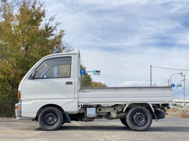 燃料タンク40L 無鉛レギュラーガソリンパワーアシストなしラック&ピニオンFR 4MT(6枚目)