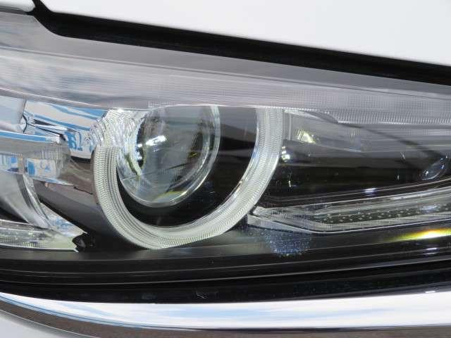 ヘッドライトはLED、ALH採用で夜間における歩行者認識制度が向上しております
