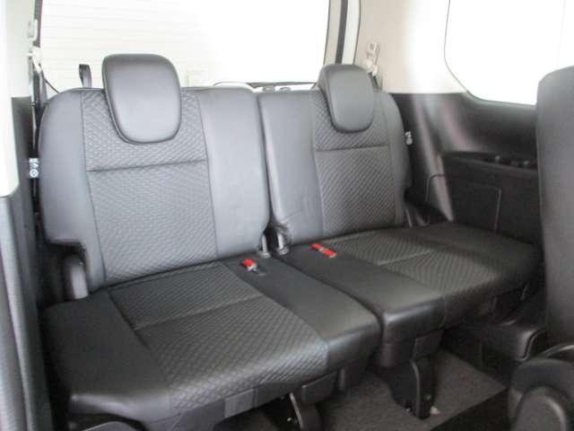 サードシートもこだわって作っていますので長時間座っても快適です!
