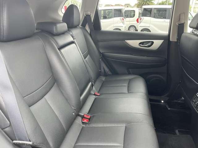 モード・プレミアHVオーテック30thアニバーサリー 2.0 モード・プレミア ハイブリッド オーテック 30th アニバーサリー 4WD ナビ TV バックM ETC Bluetooth シートヒーター 後席モニター(18枚目)