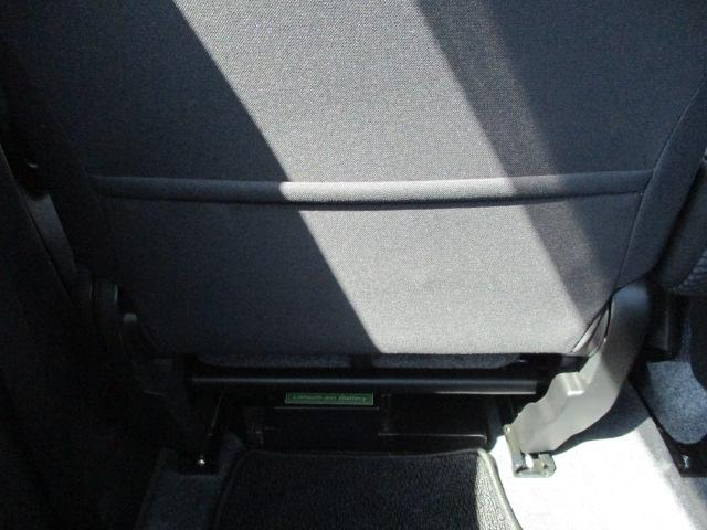 助手席背面にはシートバックポケット