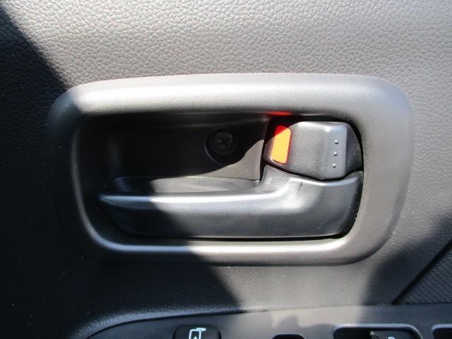 運転席のドアも見ていきましょう!