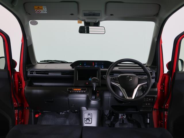 ワゴンRはセンターメーターを採用しています。前方がスッキリして、運転しやすいのが特徴です♪