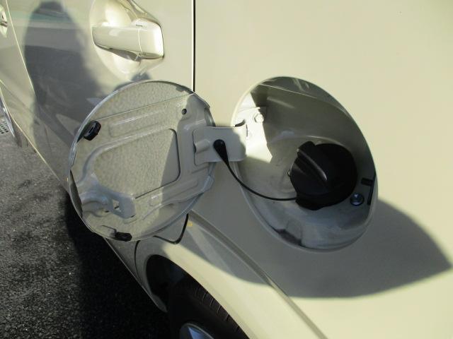 給油口は左側にございます。