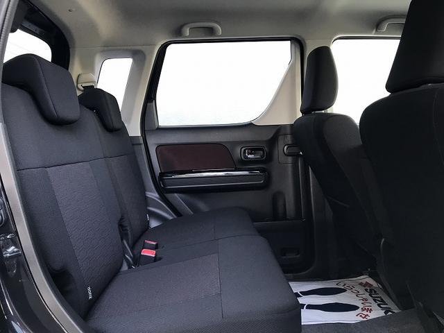 後席も広々です!!アレンジも豊富ですので乗車人数やお荷物に応じて柔軟にお使い頂けます☆