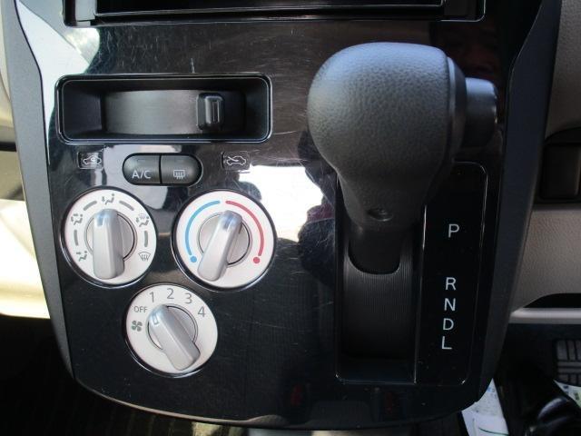 S 4WD 社外CDオーディオ アイドリングストップ(6枚目)