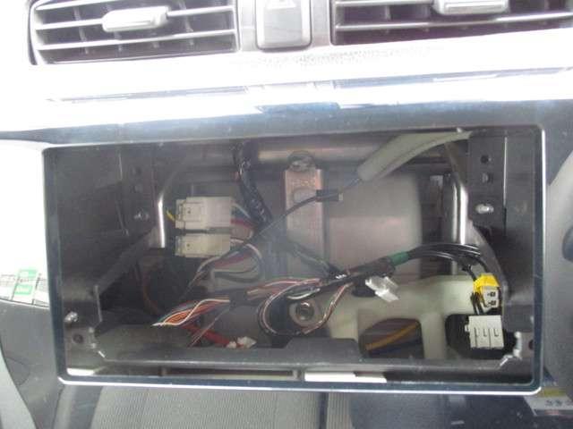 S エマージェンシーブレーキ 横滑り防止装置 アイドリングストップ シートヒーター(4枚目)