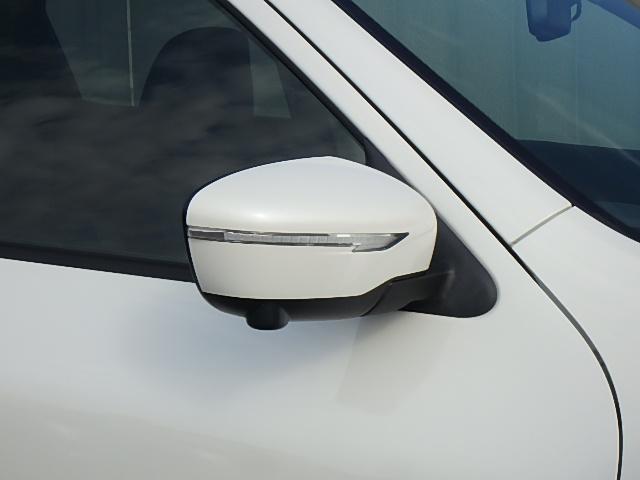ウインカー付ドアミラーだから対向車への視認性UPします。