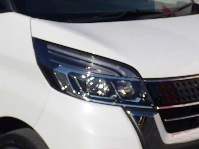 ハイウェイスター X Vセレクション エマージェンシーブレーキ・アラウンドビューモニター・プレミアムグラデーションインテリア・ハイビームアシスト・純正メモリーナビ・地デジTV・インテリキー・LEDヘッドライト・両側オートスライドドア(19枚目)