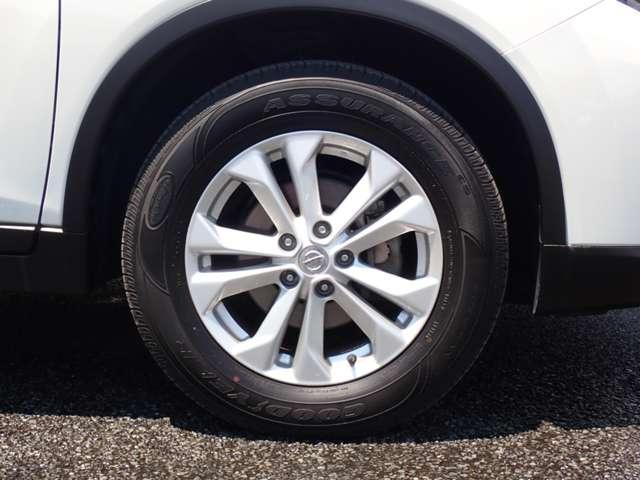 20Xt エマージェンシーブレーキパッケージ 純正メモリーナビ・地デジTV・アラウンドビューモニター・インテリジェントパーキングアシスト・クルーズコントロール・後側方車両検知警報・LEDヘッドライト・オートバックドア・(19枚目)