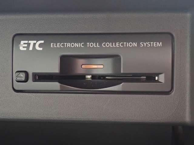 250GT 本革シート・純正HDDナビ・地デジTV・バック&サイドモニター・キセノン・前席エアコンシート・助手席電動オットマン・クルーズコントロール・ワンオーナー(11枚目)