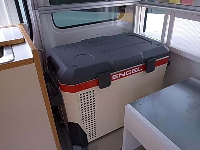 移動販売車 サブバッテリーシステム 冷蔵庫(16枚目)