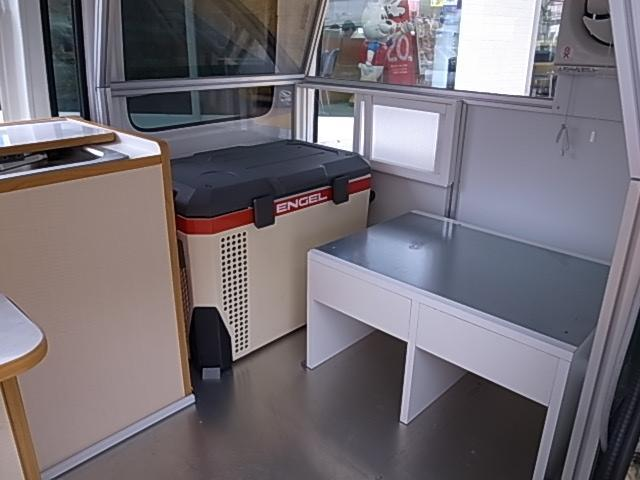 移動販売車 サブバッテリーシステム 冷蔵庫(34枚目)