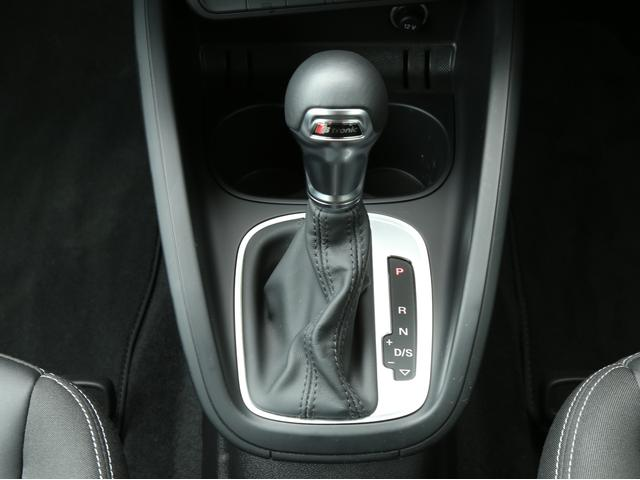 アウディ アウディ A1 1.0TFSIスポーツ SラインエクステリアPKG認定中古車