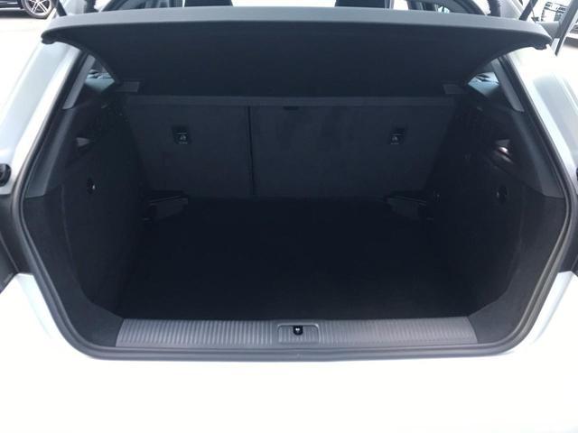 スポーツバック30TFSI ハイグロスパッケージ ハンズフリー (Bluetooth) スタートストップシステム オールウェザーライト デイタイムランニングライト ヒートインシュレーティングウィンドシールド(17枚目)