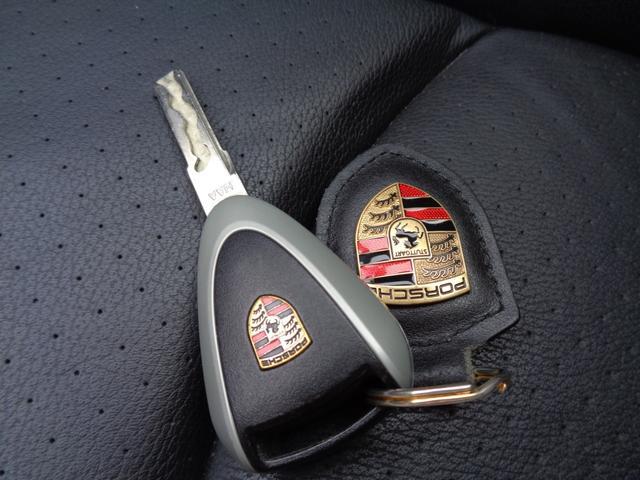 911カレラ スポーツクロノパッケージ 黒レザーシート 純正HIDライト 社外HDDナビ フルセグTV Bカメラ シートヒーター PSM ipod ETC(31枚目)