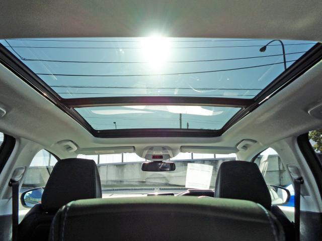 クロスシティ ブルーHDi 限定車 新車保証継承 パノラミックサンルーフ メモリー機能電動シート シートヒーター 自動ハイビームLED アダプティブクルコン 後カメラ 前後ソナー ハンズフリー電動テールゲート 18inAW(12枚目)