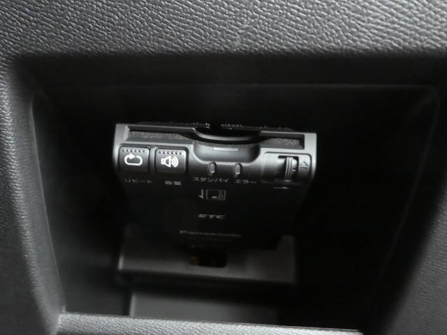 GTライン 新車保証継承 フルLEDライト 純正ナビ ETC(13枚目)